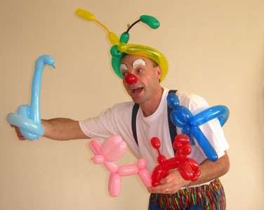 balloon artist courtesy of Wobbles The Clown